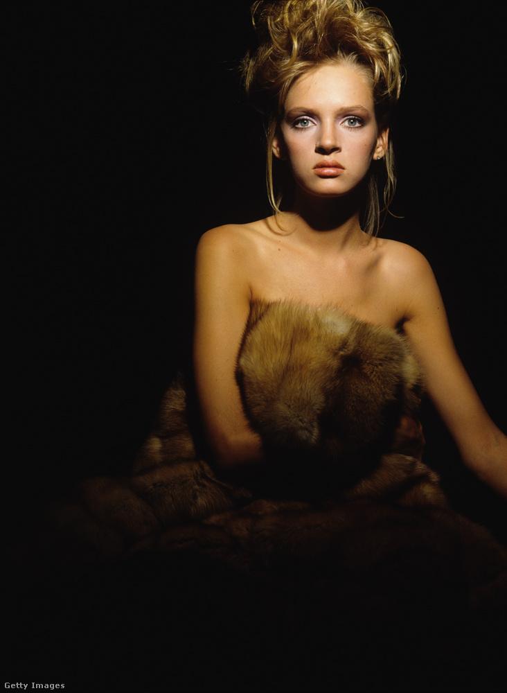 A képek egy magazin számára készültek, és a manöknekedés mellé Thurman színésznői karrierje nem sokkal később szintén beindult
