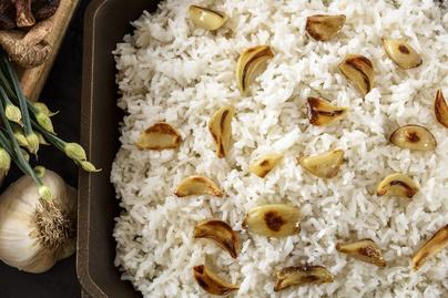 Szaftos, vajas rizs – Sült fokhagyma roppan benne
