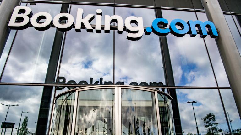 2,5 milliárdos bírságot kapott a GVH-tól a Booking
