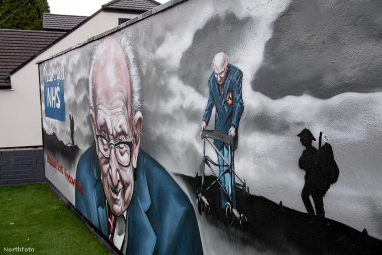 Egyrészt ilyen falfestmény is készült róla, másrészt a dala versenybe indult a brit slágerlistán