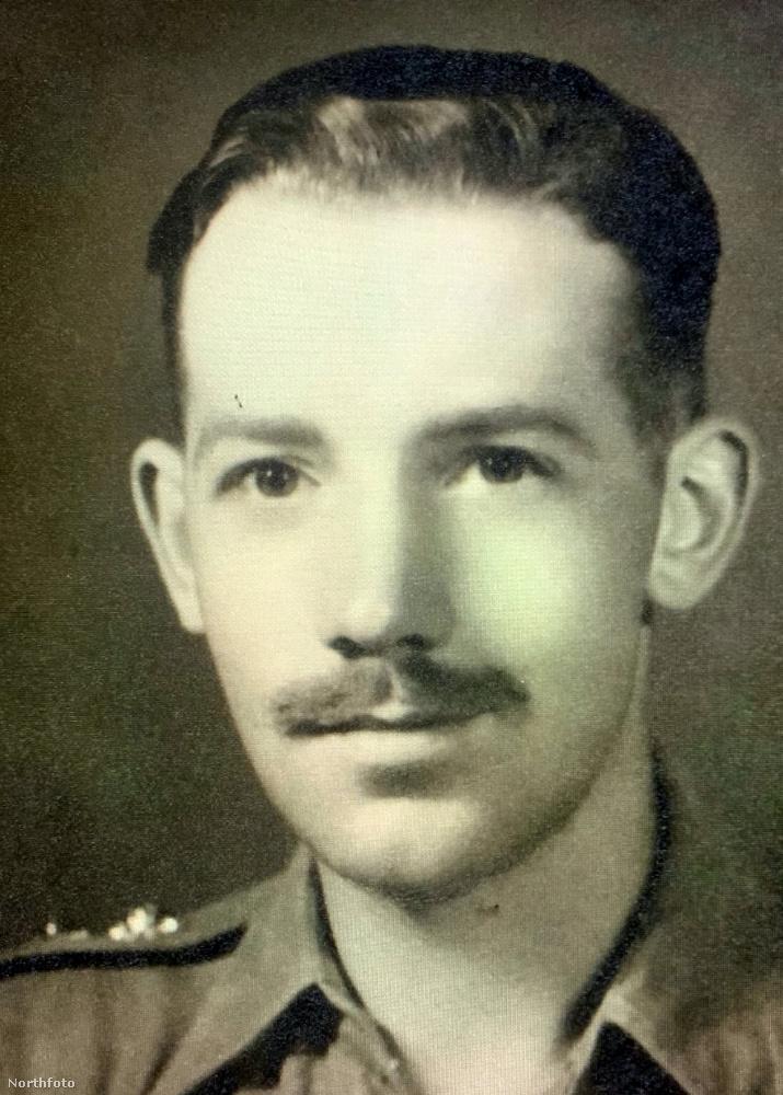 Ez a kép a második világháborúban készült egy Tom Moore nevű, brit kapitányról