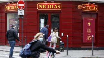 Májusban újra kinyithatnak a boltok Franciaországban
