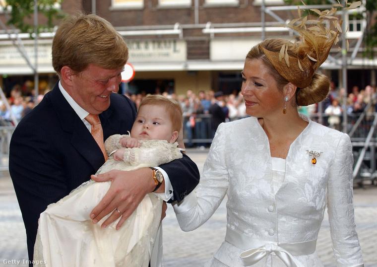 Katalin Amália egy nagyon alaposan megörökített gyerek- illetve csecsemőkorral büszkélkedhet