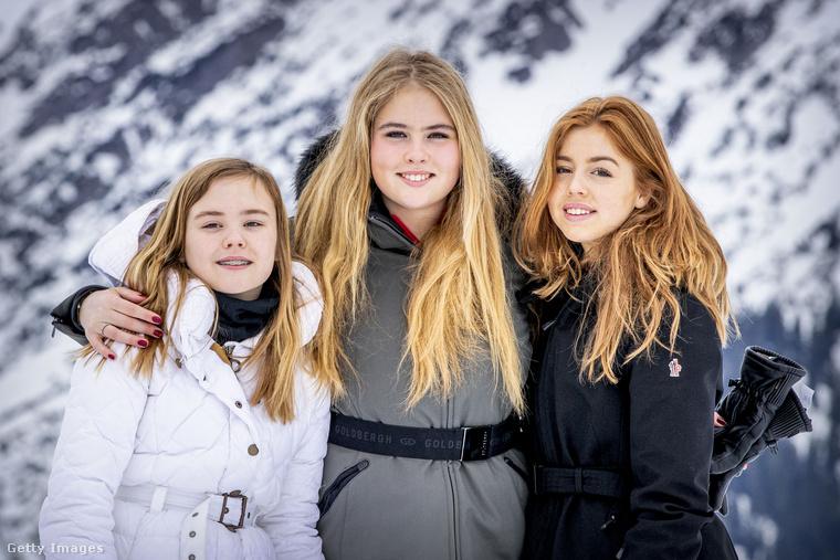 Ahány síszezon, annyi hivatalos fotósorozat jelenik meg róluk minden télen