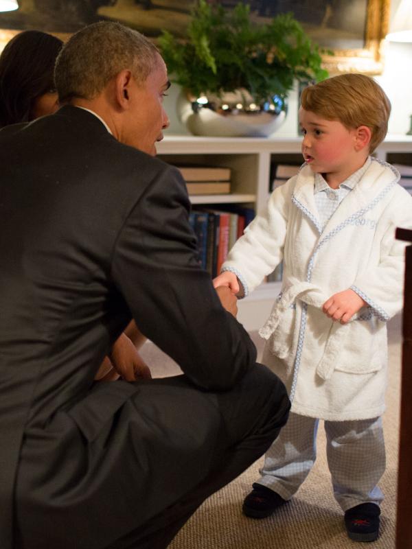 Milyen ajándékot kapott a kis trónörökös Barack Obamától?