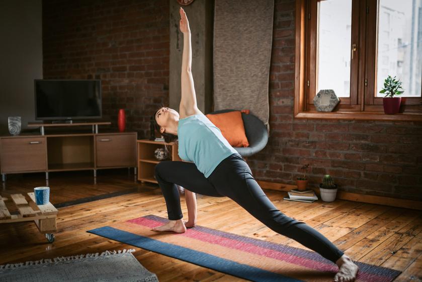 Optimistává és boldoggá tesznek: 10 napindító jógagyakorlat kezdőknek