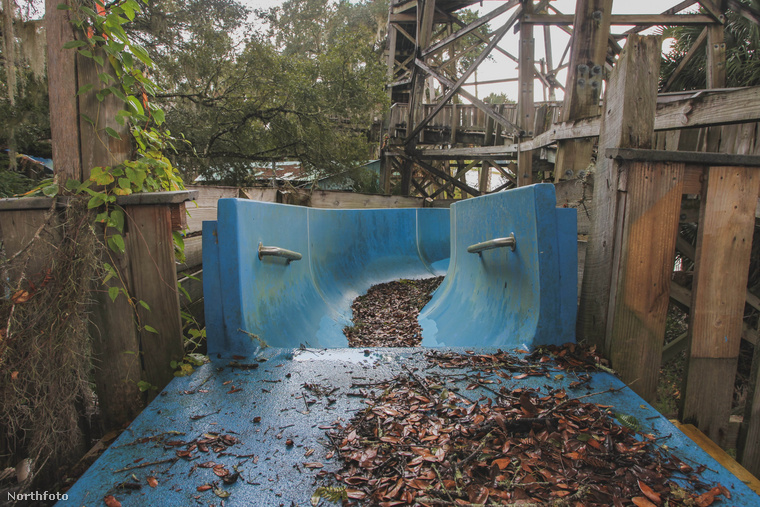 Reméljük, a járvány lecsengésével ez a park is újra életre kelhet, és talán új filmek is foroghatnak a medencéiben.