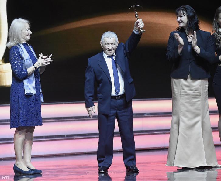 Földi Imre a magyar sport kategória Prima Primissima díjazottja a díjátadó gálán a Művészetek Palotájában 2016. december 2-án.