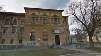 Színjáték, hogy a Klik visszavonja az utólagos létszámcsökkentést a szentesi gimnáziumban