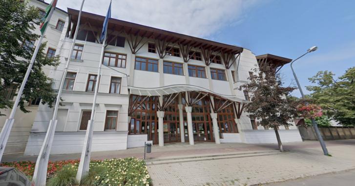 A Makói József Attila Gimnázium épülete