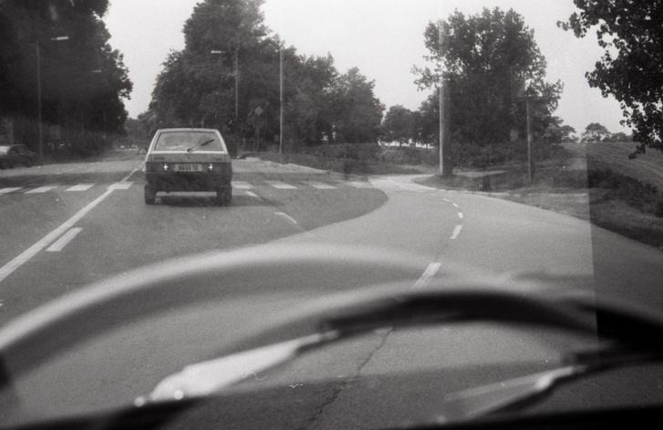 A végén azért képes lett pár száz kilométeres utak megtételére nálam is. Ahhoz képest, hogy dr. Zarubay évi negyvenezreket ment vele, azt hiszem, csekélység