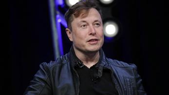 Elon Musk és Jeff Bezos cégei vihetnek majd asztronautákat a Holdra