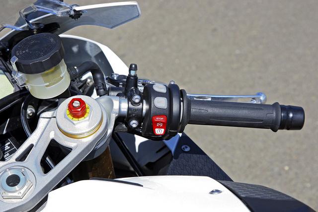 A motorteljesítményt továbbra is 193 lóerővel adja meg a BMW, de eddig az összes mért példány túlteljesítette ezt az értéket