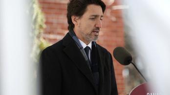 Kanadában betiltják a katonai típusú fegyvereket