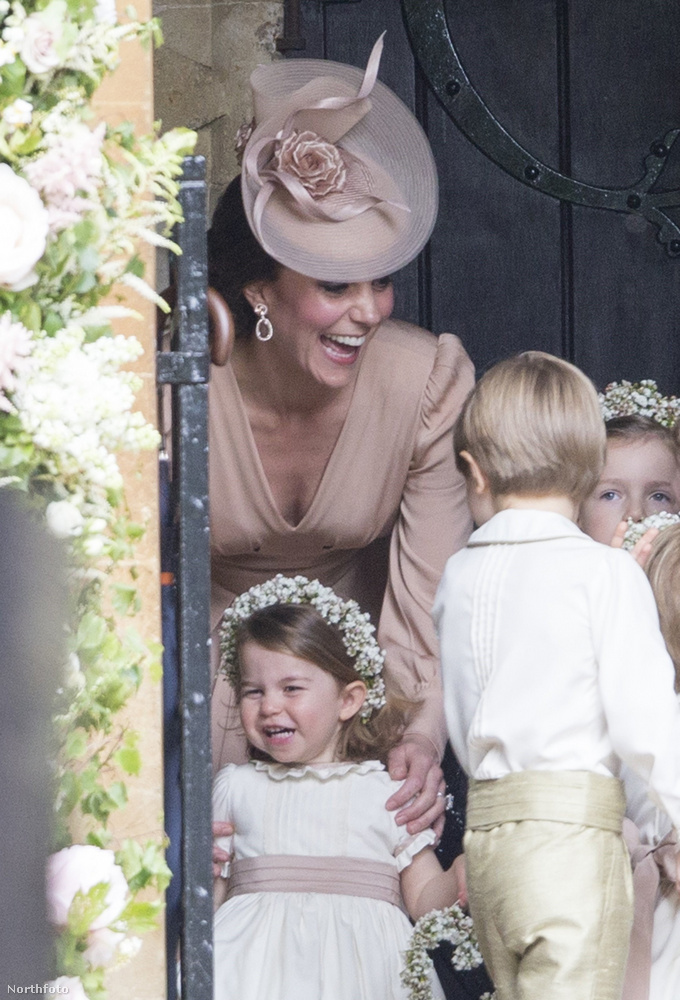 2017 májusában Györggyel tevőleg is részt vettek a hercegné húgának, Pippa Middletonnak az esküvőjén (James Matthews pénzügyi szakemberhez ment nőül)