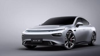 Lopják a kínaiak a Tesla Autopilotját?