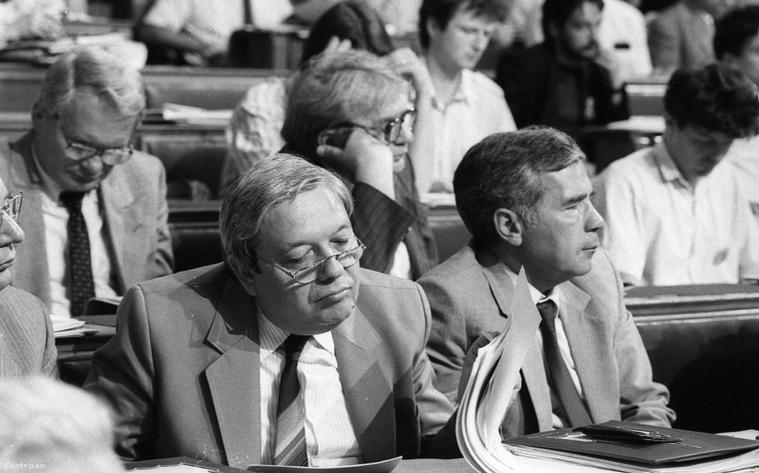 Parlament, az Országgyűlés ülése, Pozsgay Imre és Horn Gyula.