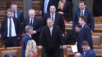 Gyurcsány szerint a Fidesz ma ünnepet hazudva tort ült a köztársaság sírjánál a parlamentben