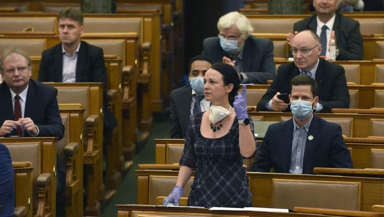 A román külügyminiszter szerint a budapesti román nagykövet saját kezdeményezésből vette védelmébe Szabó Tímeát