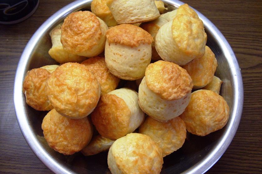 Pihe-puha juhtúrós pogácsa: dagasztás nélkül még egyszerűbb
