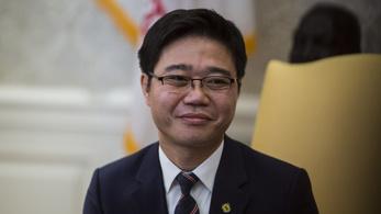 Bocsánatot kért az a dél-koreai politikus, aki azt állította, hogy Kim Dzsongun már alig él