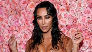 Kim Kardashiannek az extrém ruhájához extrém pisitervei voltak