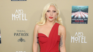 Lady Gaga hirtelen meglovagolta egyik színésztársát az Amerikai Horror Sztori forgatásán