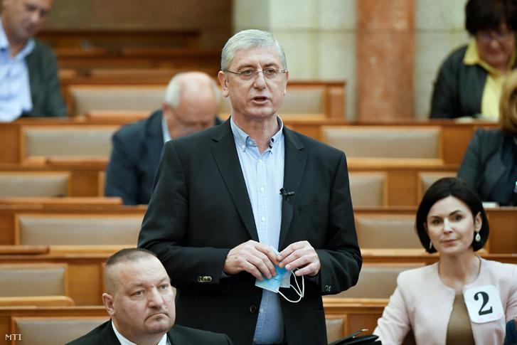 Gyurcsány Ferenc az Országgyűlés plenáris ülésén 2020. május 4-én.