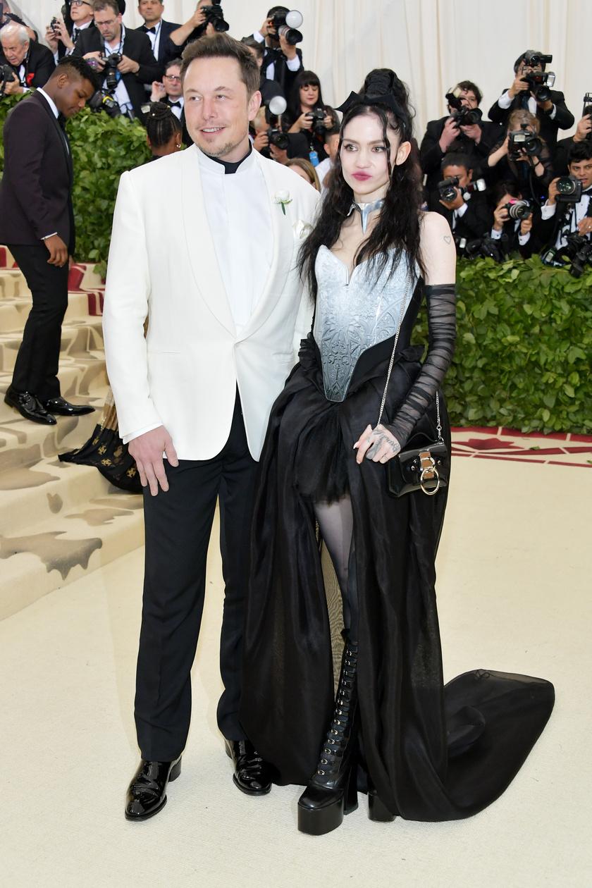 Elon Musk és kedvese, Grimes.