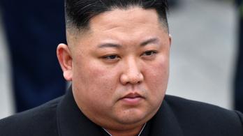 Oroszország érdemrenddel tüntette ki Kim Dzsongunt