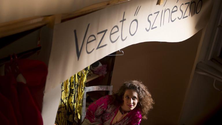 Jogsértő szavazáson szívatták meg az ellenzéki városok független színházait