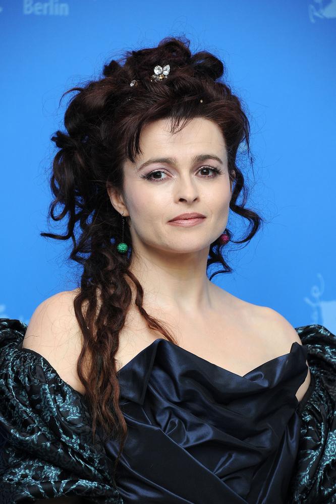 Helena Bonham CarterA színésznő és rendező párja, Tim Burton 13 évig voltak együtt, két gyermekük is született