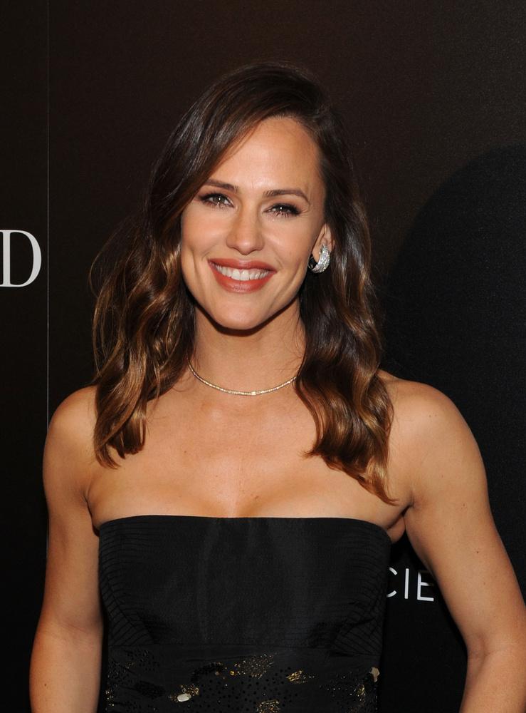 Jennifer GarnerA színésznő 2006-ban, a Kettőt találhatsz című film forgatásán volt várandós első gyermekével, Violettel