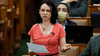 Szabó Tímea: A kormánypártok háborút indítottak a nők ellen