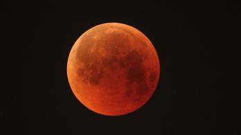 A középkorban hatalmas vulkánkitörések feketítették el a holdfogyatkozást