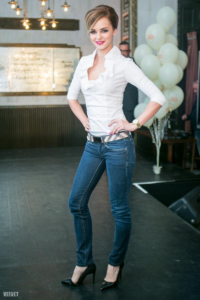 A képen látható Dobó Ágnes 2010-ben nyerte meg a Miss World Hungaryt