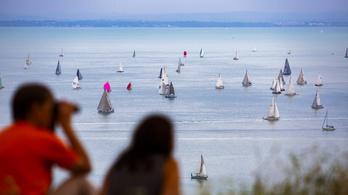 Július végén lehet a Kékszalag a Balatonon