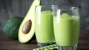 Avokádós smoothie glutén-, tej- és tojásmentesen: az energikus reggelekért