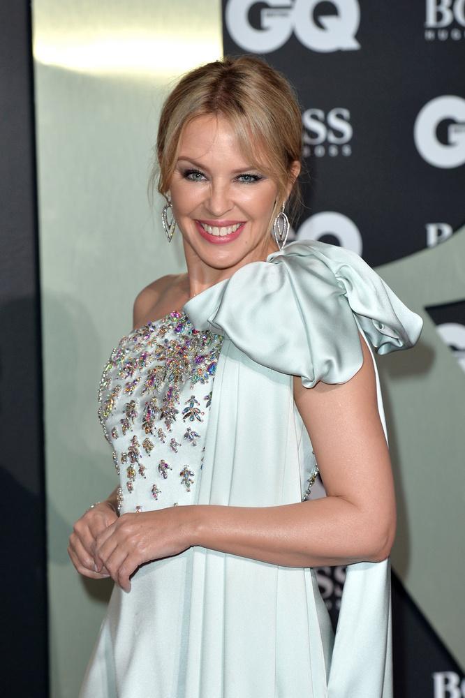 Kylie Minogue minden teketóriázás nélkül beismerte: igen, ő mindent bevet azért, hogy fiatalos maradjon
