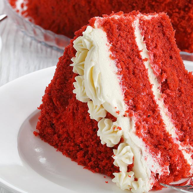 Csodálatos vörös bársony torta: a tészta selymességéért a tejszín felel