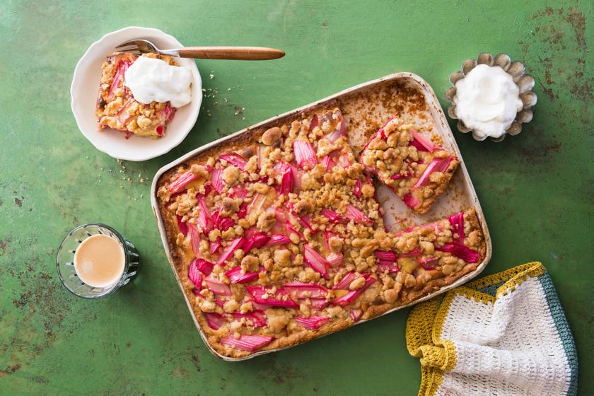 Rebarbarás süti édes, vaníliás morzsával: elronthatatlan, mennyei édesség