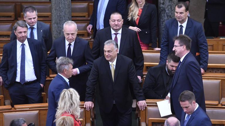 Kiderült, mire mennyit költenek Orbánék