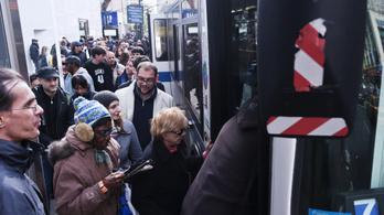 Miért olyan pocsék a tömegközlekedés Amerikában?