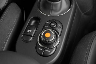 Ez a rendszer szerintem egy az egyben a BMW-ből jön, ugyanolyan jól működik
