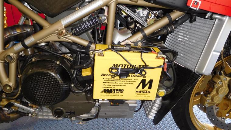 20190825-1998-ducati-916-sps-right-battery