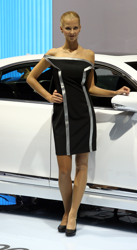 Dress code a Lexus LS600h Sporthoz