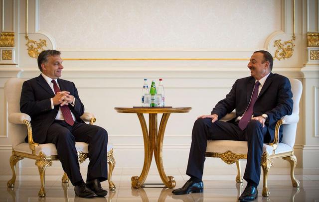 Orbán Viktor júliusban találkozott Azerbajdzsán miniszterelnökével.