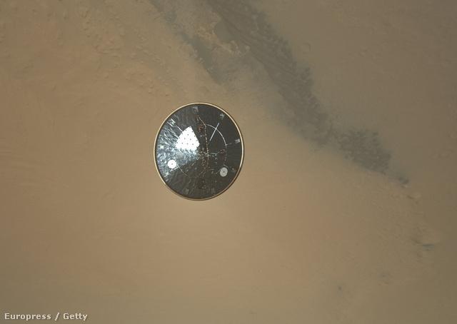 A Curiosity hőpajzsa a leereszkedés megkezdése után
