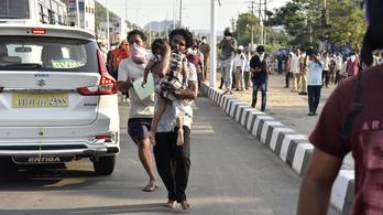 Nyolc ember meghalt, több százan kórházba kerültek, miután egy indiai vegyi üzemnél elkezdett szivárogni a gáz