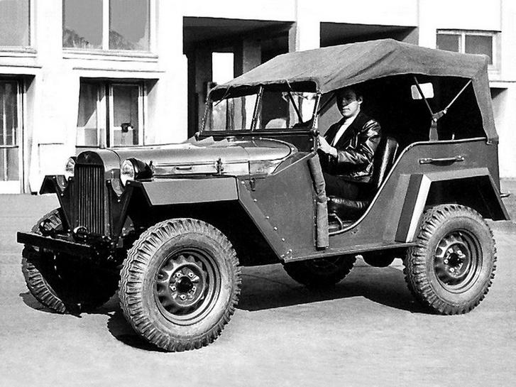 Egy az egyben a Jeep másolata volt a GAZ 67, az alkatrészeik java része is csereszabatos egymással, csak a karosszériát alakították át kissé
